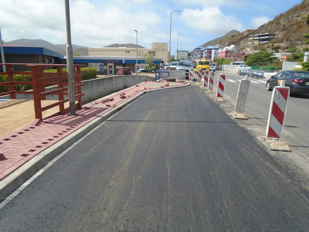 Windward Roads - Lay-Bay for Tourbusses alongside W.G. Buncamper Road Project 2